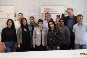 Rita Süssmuth, Prof. Dr., Bundestagspräsidentin a.D., während ihres Besuchs bei der SprInt gemeinnützigen eGenossenschaft Zu sehen sind ferner MitarbeiterInnen der SprInt geG