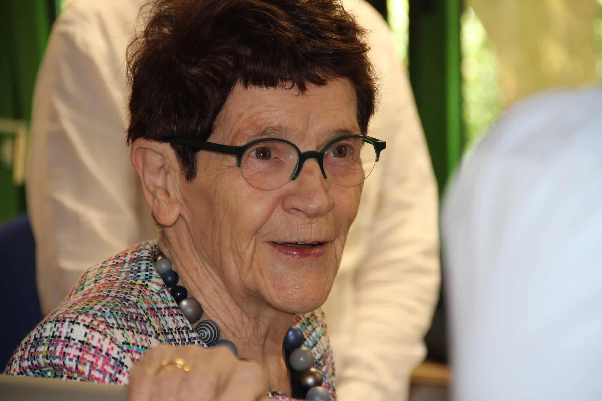 Rita Süssmuth, Prof. Dr., Bundestagspräsidentin a.D., während ihres Besuchs bei der SprInt gemeinnützigen eGenossenschaft